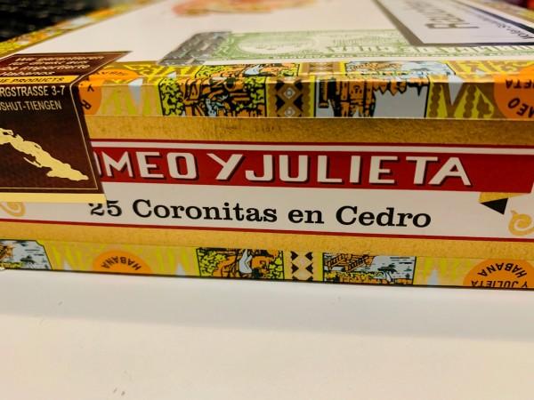 Romeo y Julieta Coronitas en Cedro